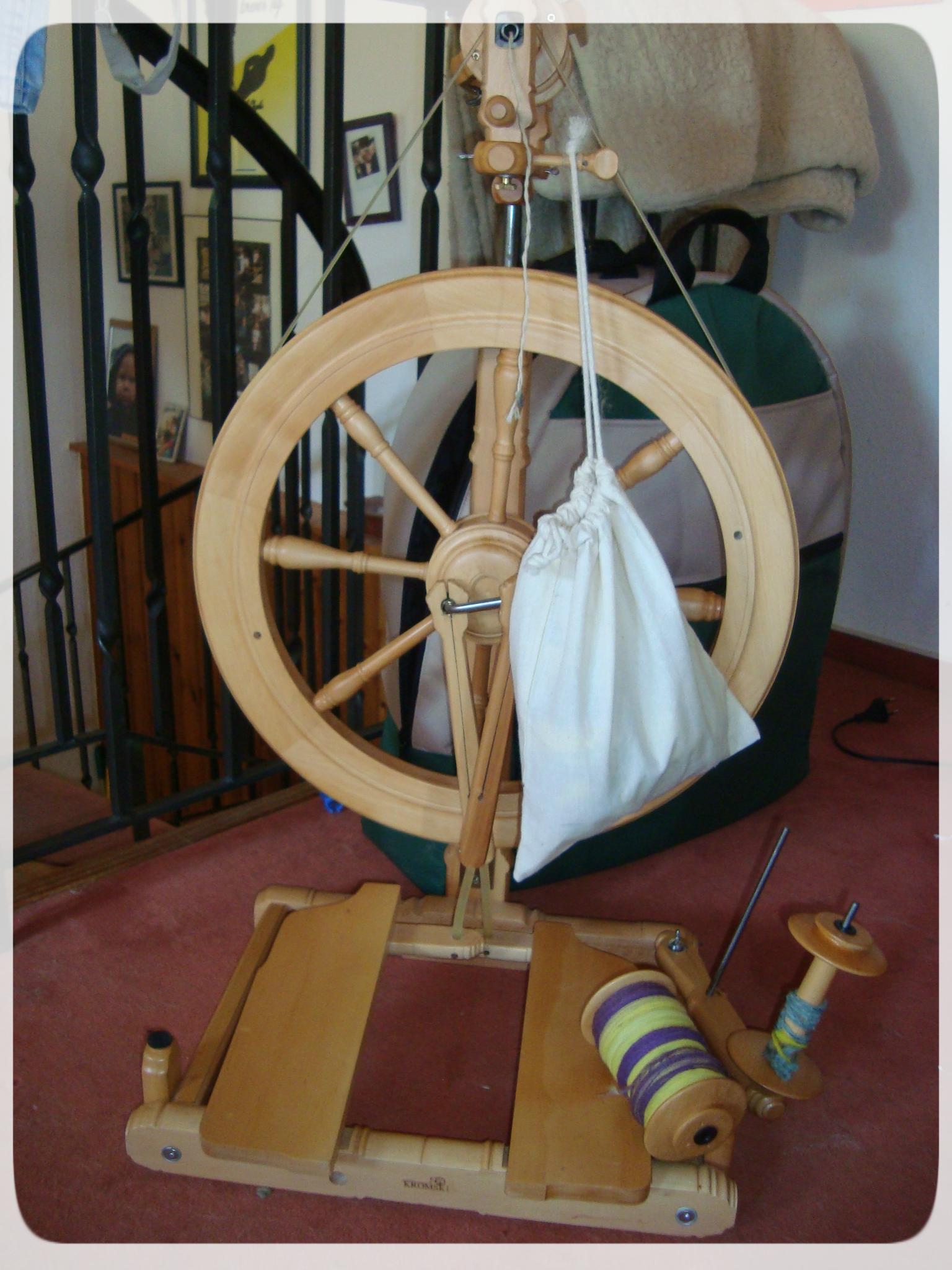 hand spinner selber bauen fidget spinner selber bauen deutsch diy tri hand spinner kronkorken. Black Bedroom Furniture Sets. Home Design Ideas